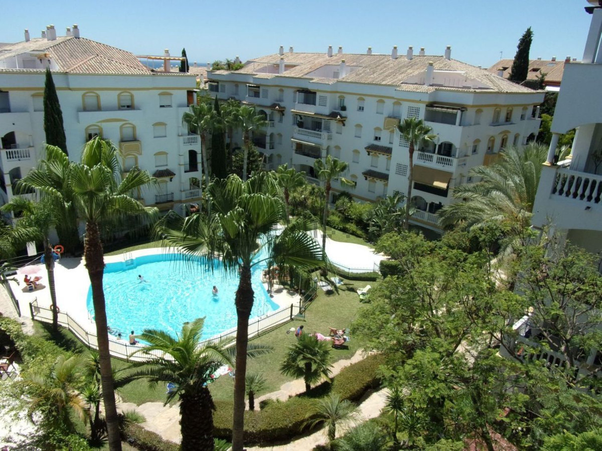 In the middle of the Golden Mile you will find this beautiful property with 2 bedrooms and 2 bathroo,Spain