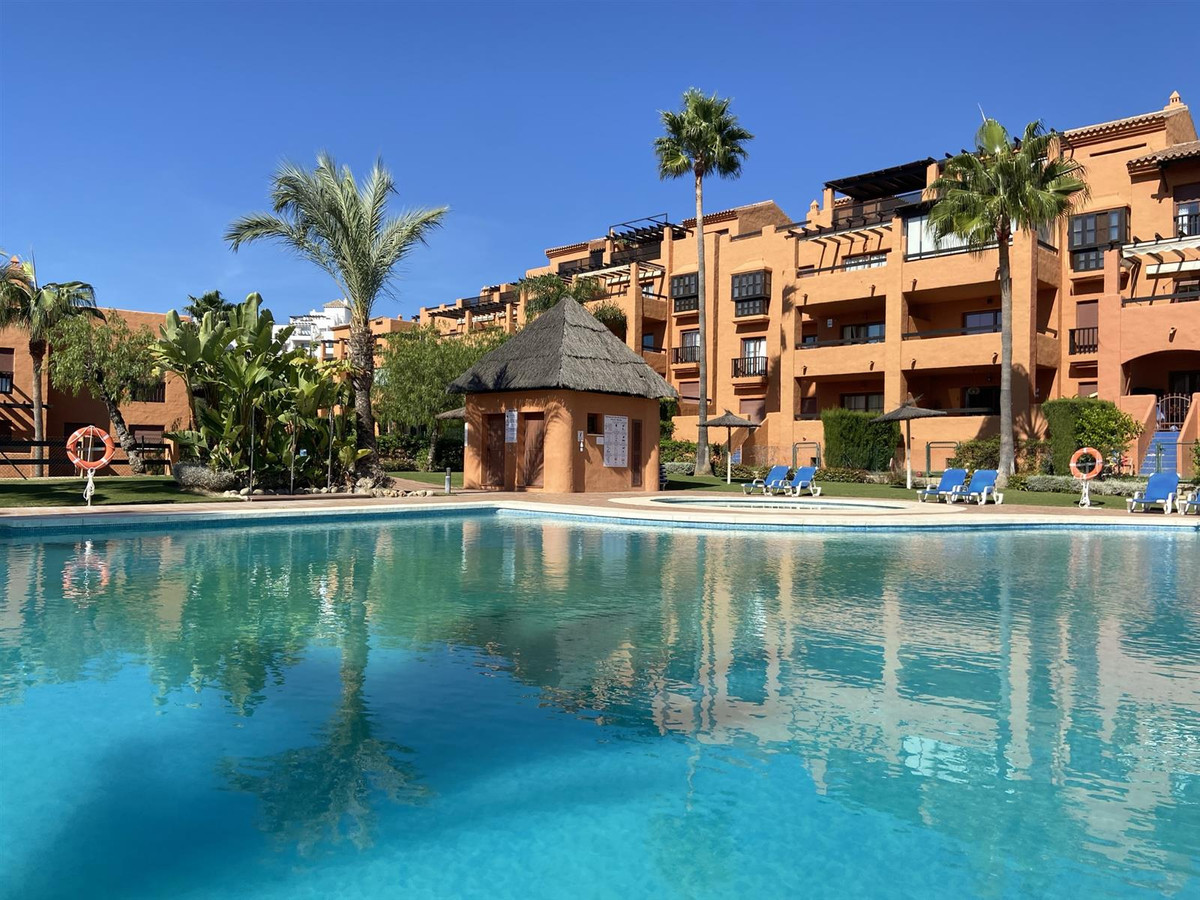 Wonderful 2 bed ground floor in the popular Gazules del Sol, Benahavis Road. The property is in exce,Spain