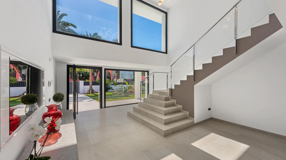 House in Guadalmina Baja R3198181 10