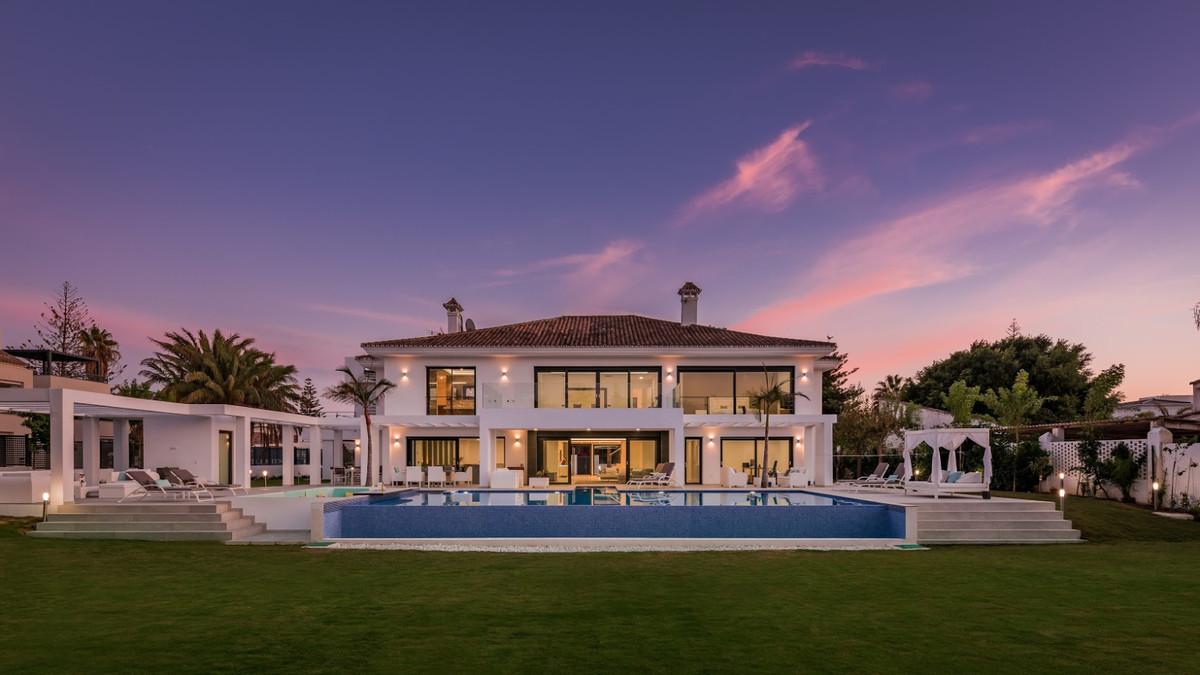 House in Guadalmina Baja R3198181 2