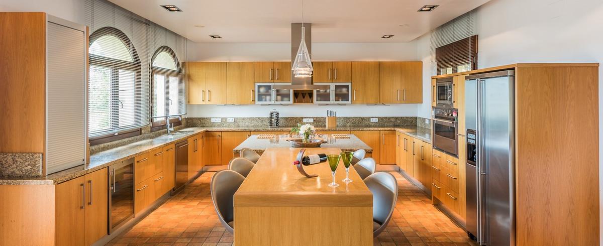 6 Bedroom Villa for sale Sotogrande Alto