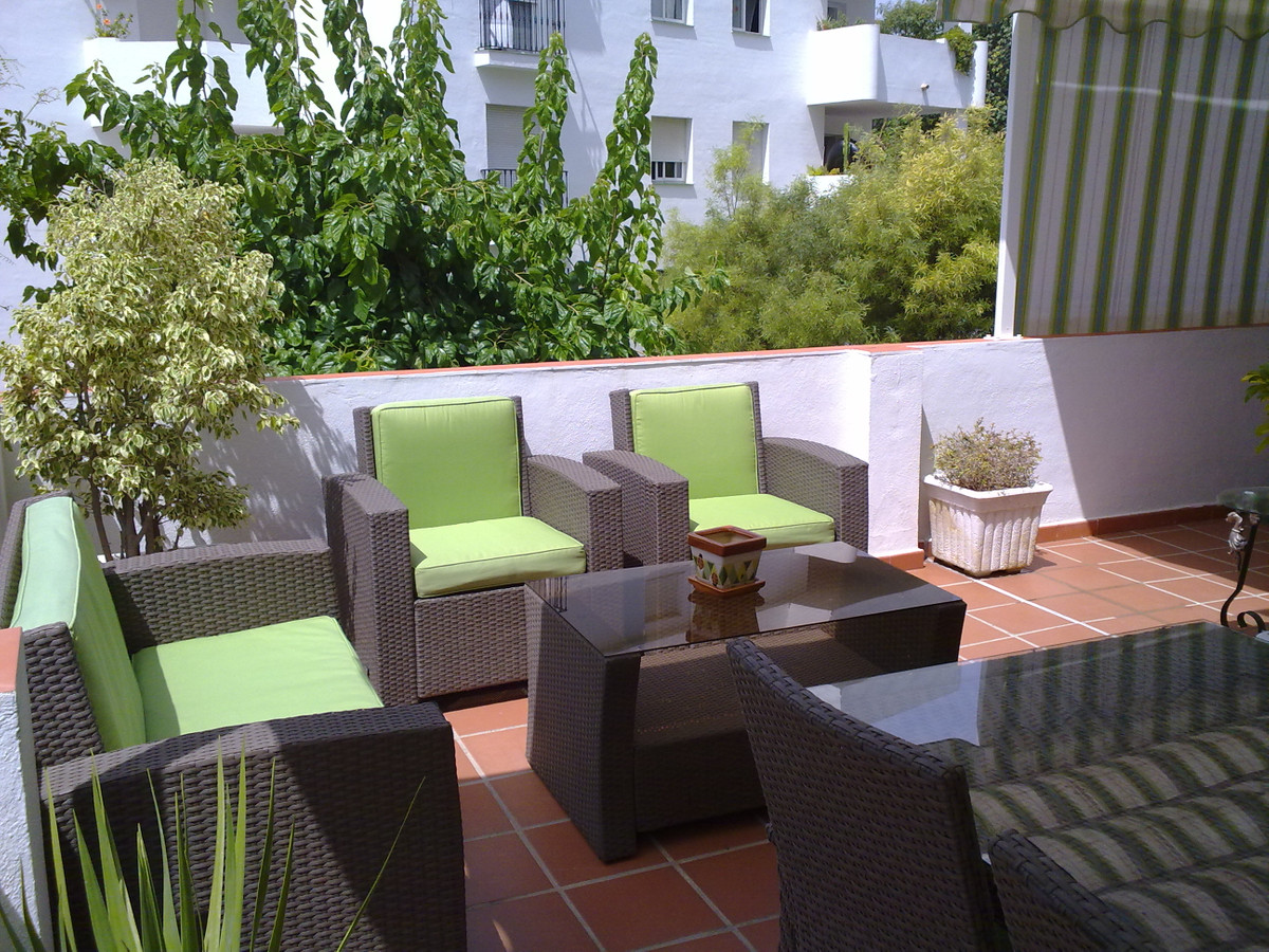 Beautiful apartment on the bottom floor corner very quiet area, consists of 3 bedrooms 2 bathrooms, ,Spain