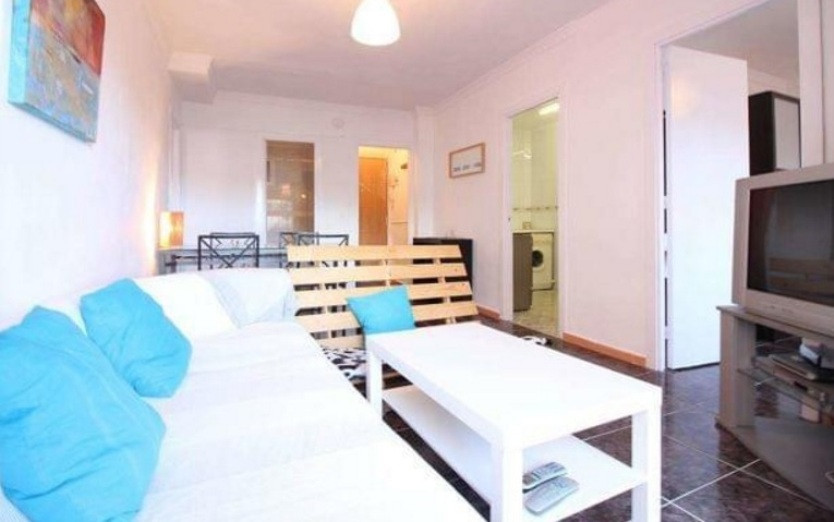 Nice apartment for sale located in the center of Torrmolinos, close to all necessary services, publi,Spain