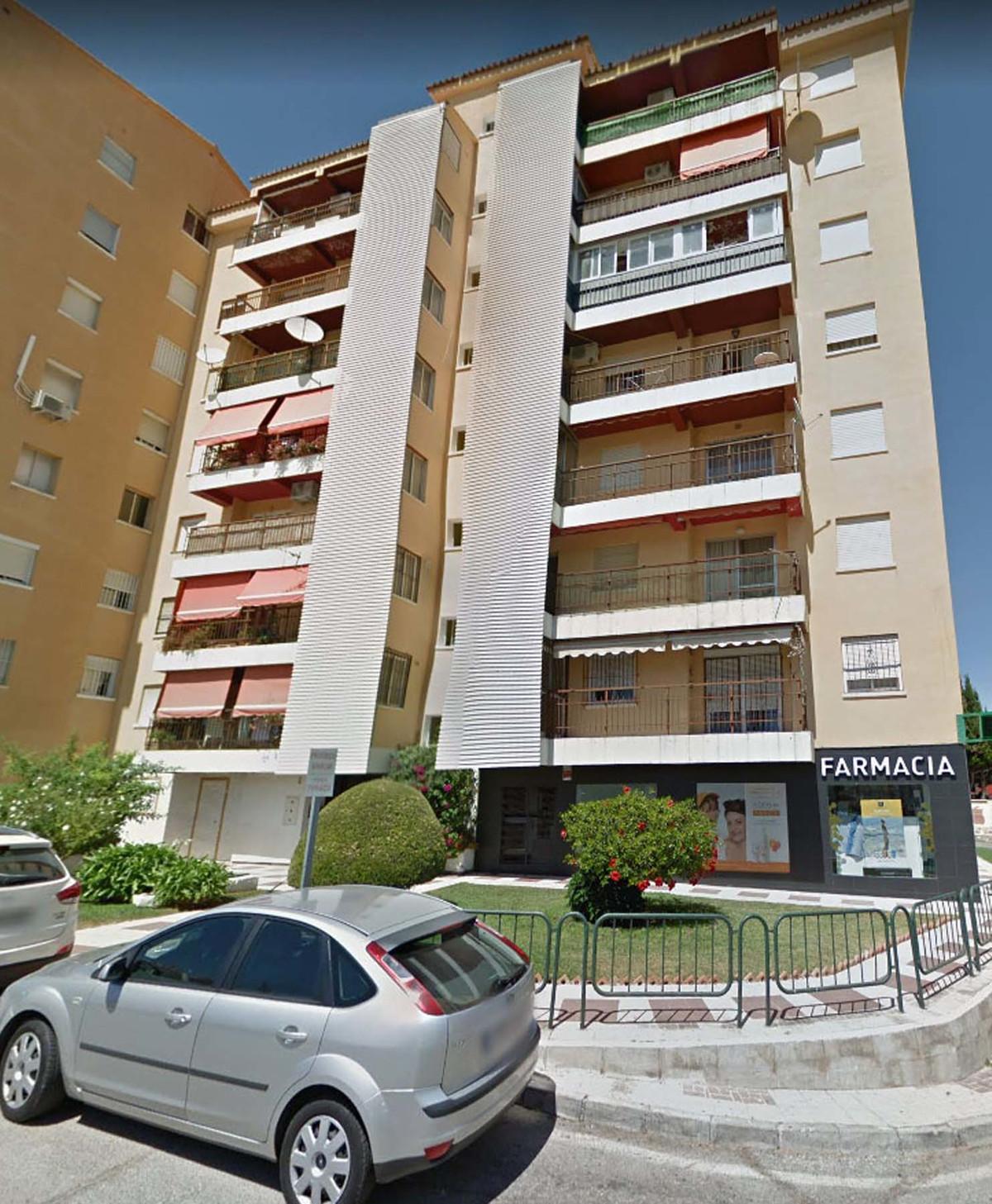3 bedroom apartment for sale torremolinos