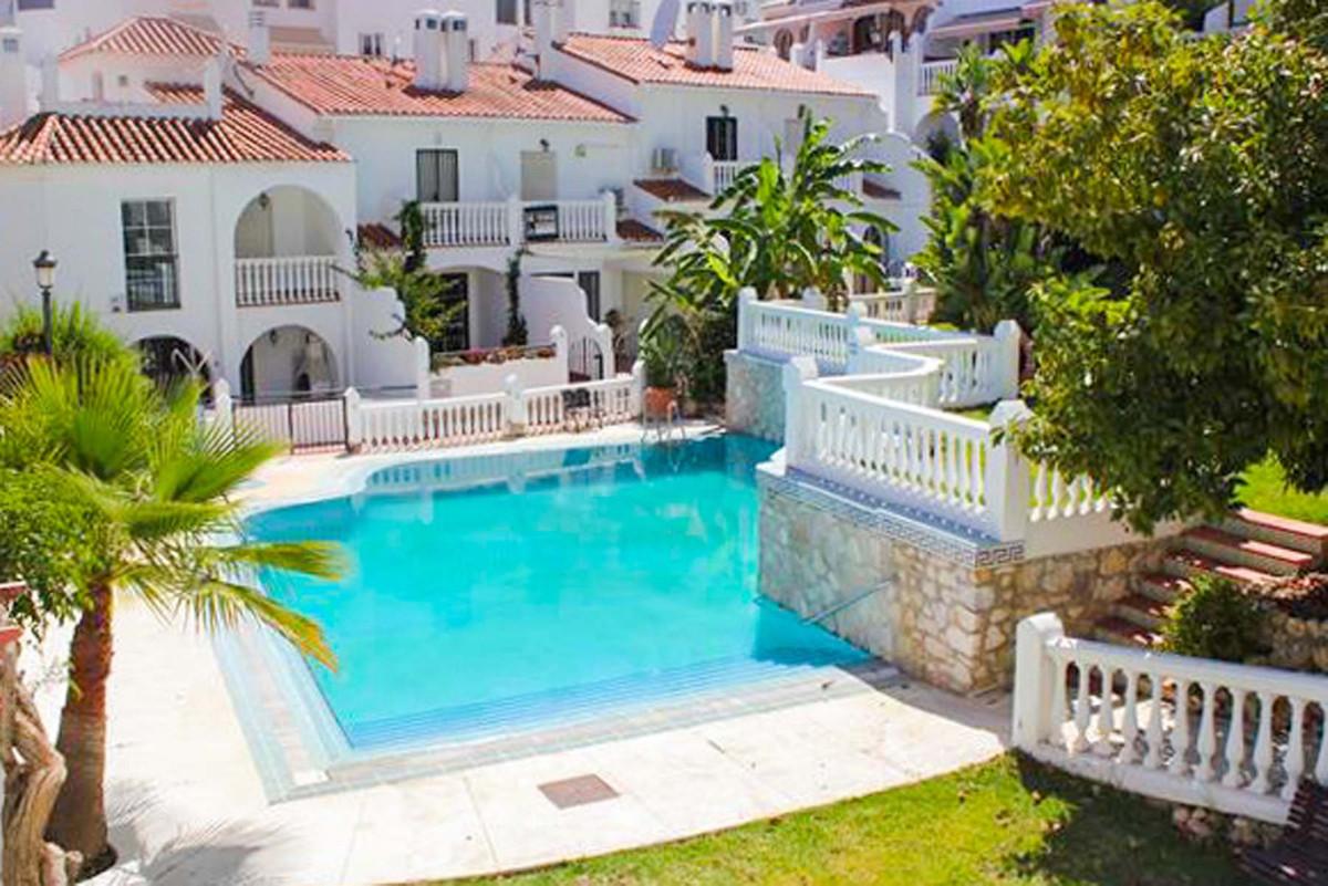 Beautiful apartment located in Riviera del Sol.  This fantastic property has 2 bedrooms, 1 bathrooms,Spain