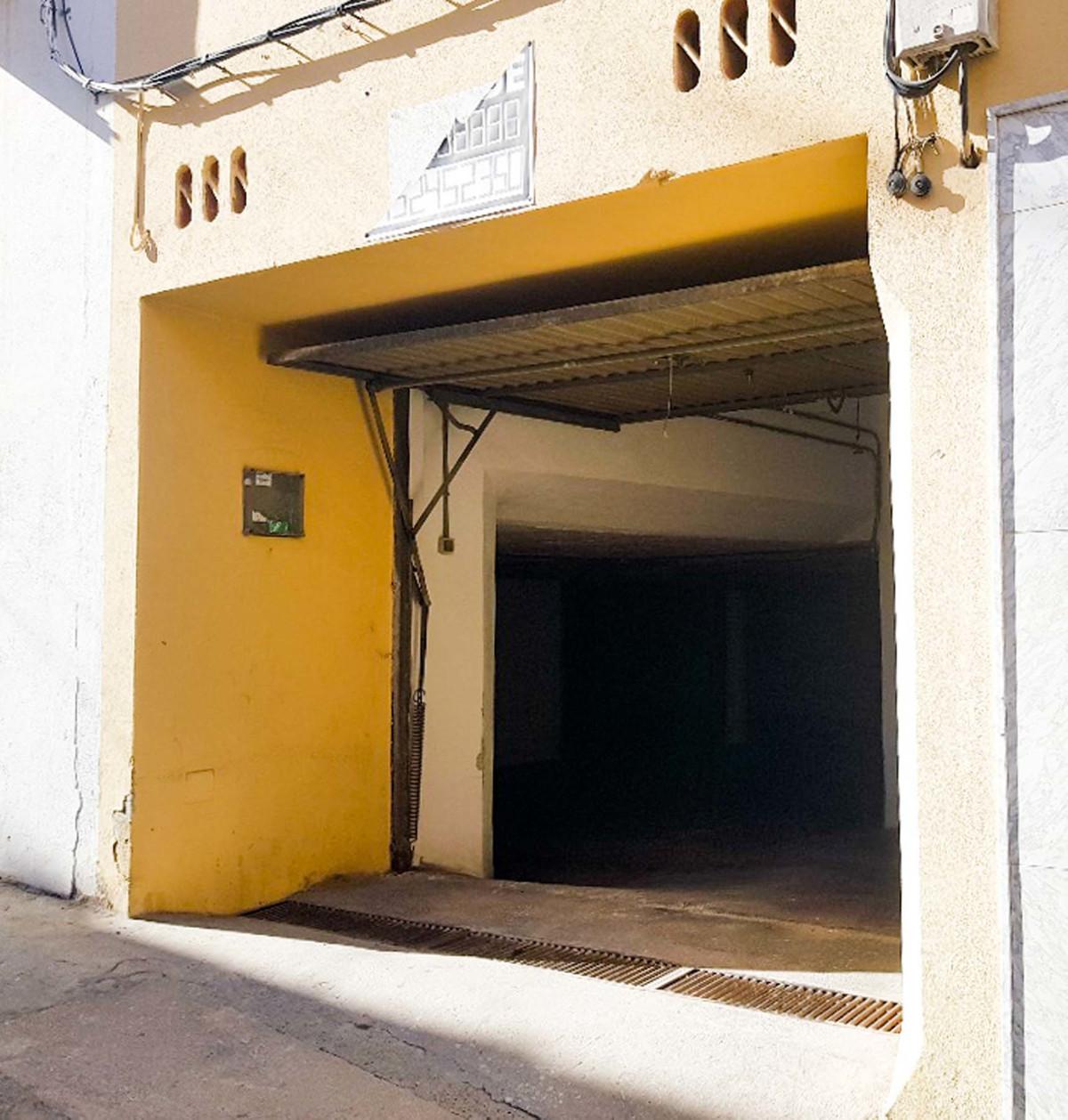 4 Bedroom Townhouse For Sale, Coín