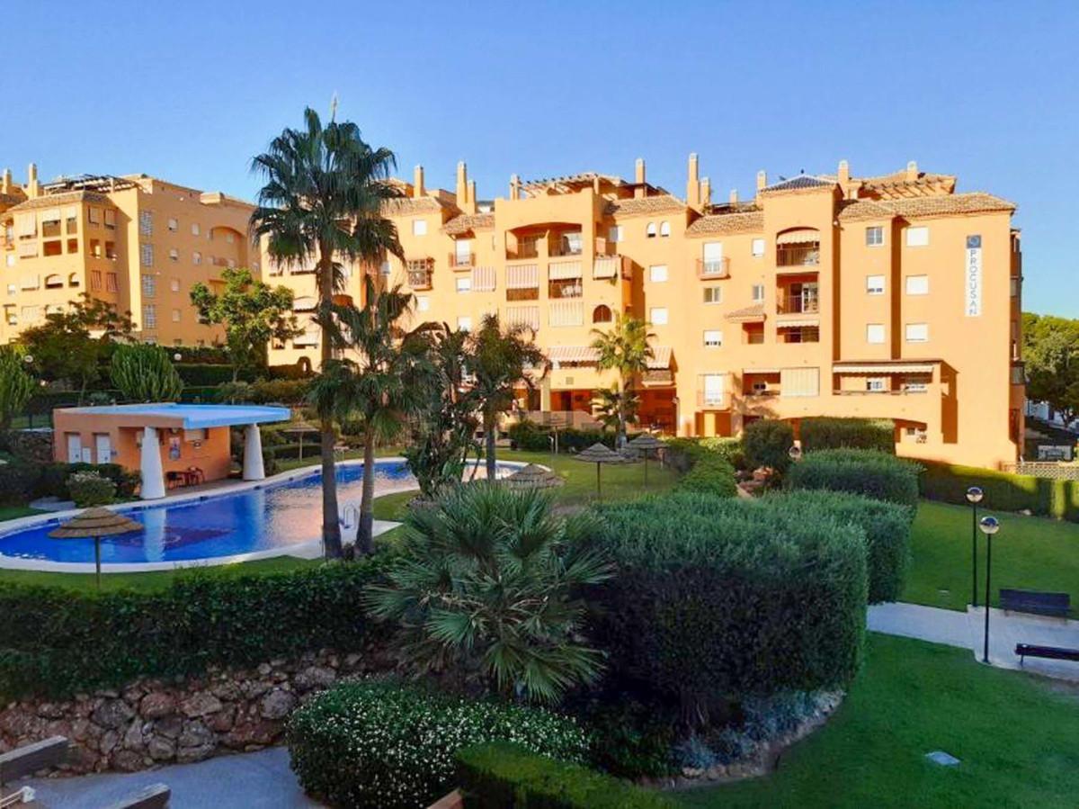 Bright spacious apartment in El Pinillo, Torremolinos, with 2 bedrooms, 2 bathrooms both with screen,Spain