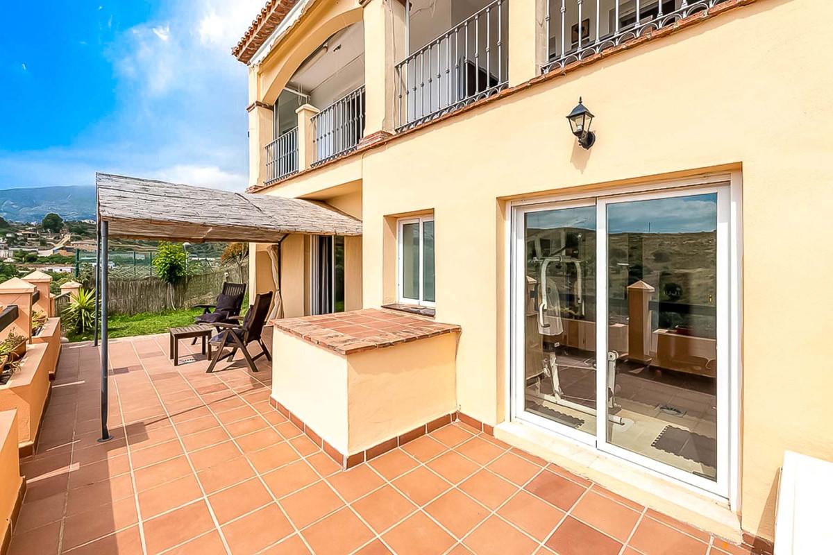 Villa, Semi Detached  for sale    in Mijas Golf