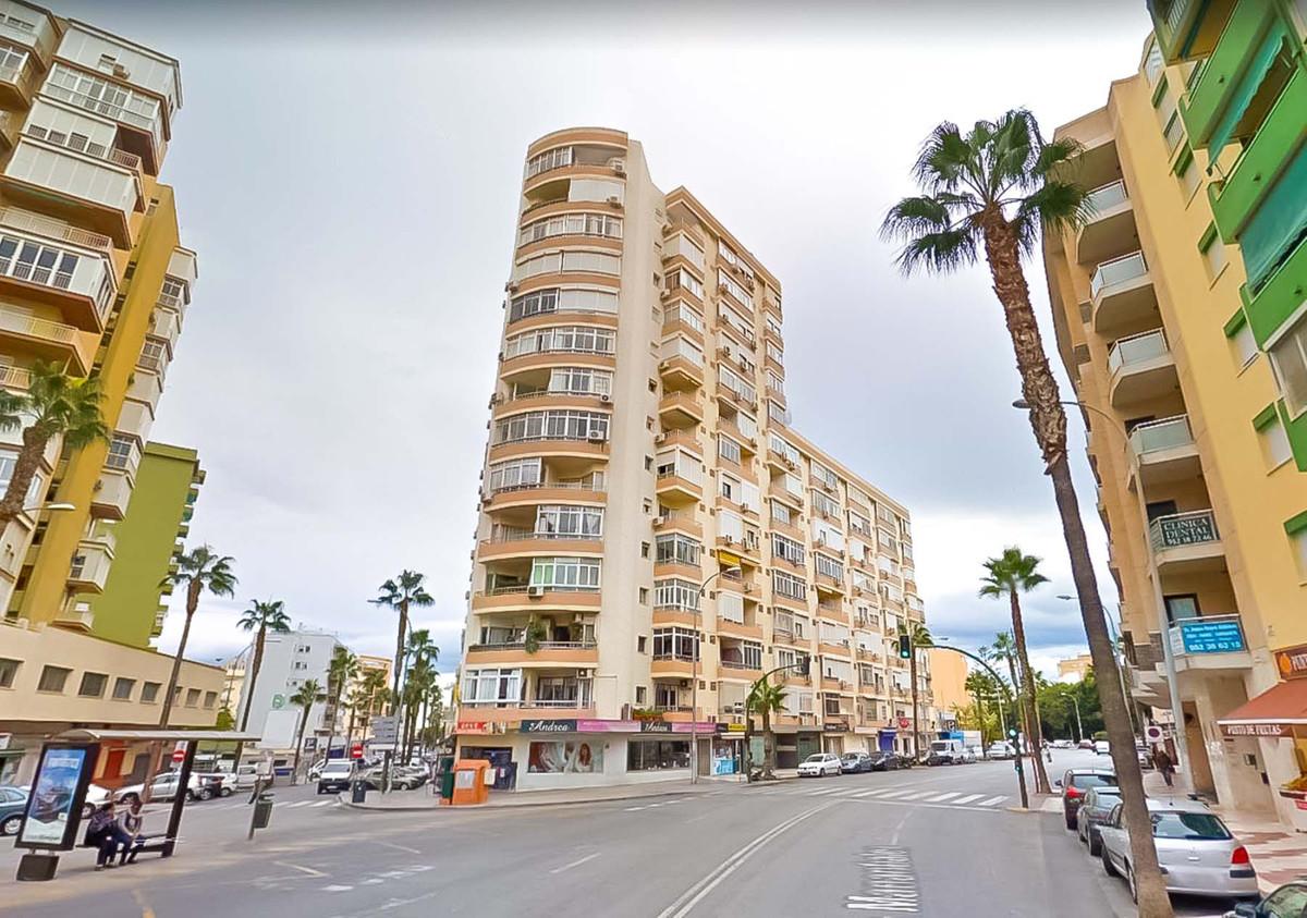 1 Bedroom Middle Floor Apartment For Sale Torremolinos, Costa del Sol - HP3948475