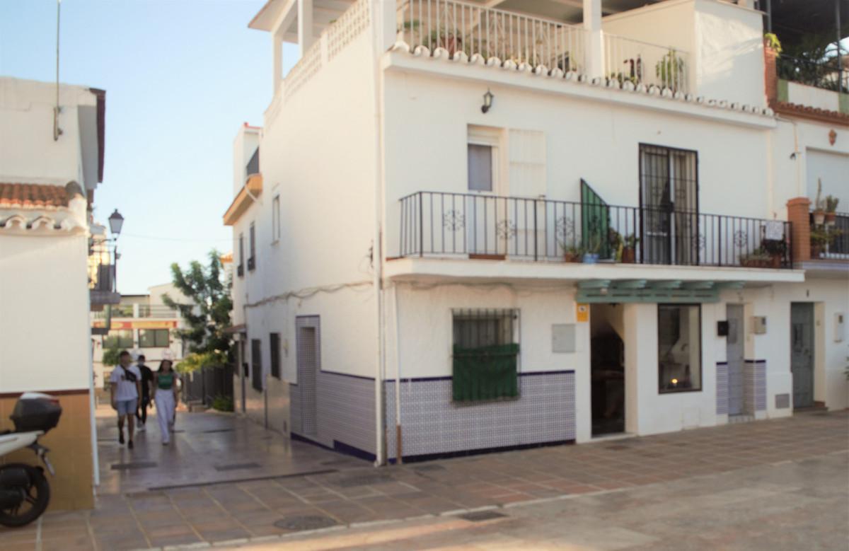 55m2 studio in Benalmadena. Just next to the main pedestrian street. Ideal for those who enjoy terra,Spain