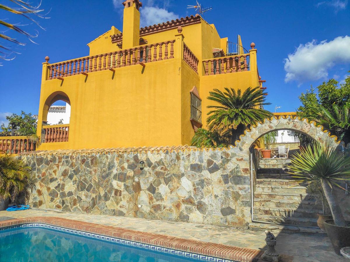 Detached Villa for sale in Marbella R3743146