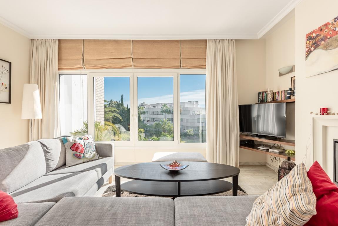 Penthouse for sale in Nueva Andalucia - Nueva Andalucia Penthouse - TMRO-R3085144