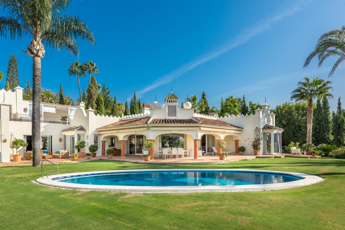 Villa - Chalet en venta en Nueva Andalucía R3515587
