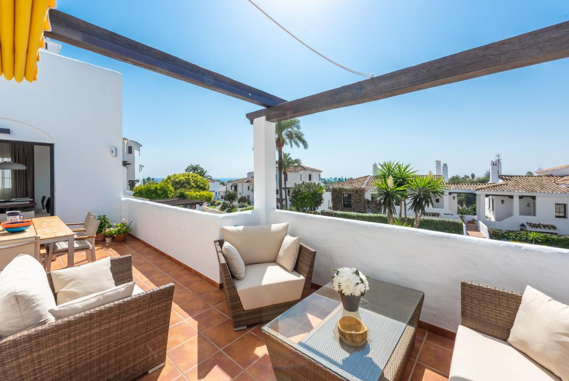Ground Floor Apartment for sale in Nueva Andalucia - Nueva Andalucia Ground Floor Apartment - TMRO-R3263125