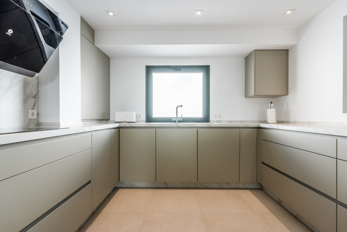 4 Bedroom Detached Villa For Sale Nueva Andalucía