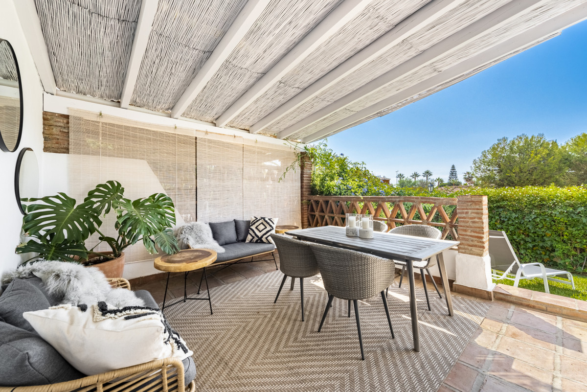 A fresh and unique townhouse within walking distance to the beach and most amenities. Situated in a ,Spain