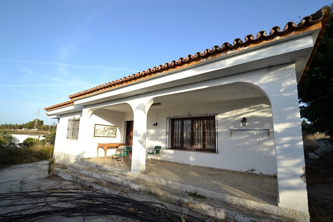 Posicion   Campo , Cerca de Tiendas , Cerca del Mar , Cerca de Cuidad Orientacion   Sur Estado   Nec,Spain