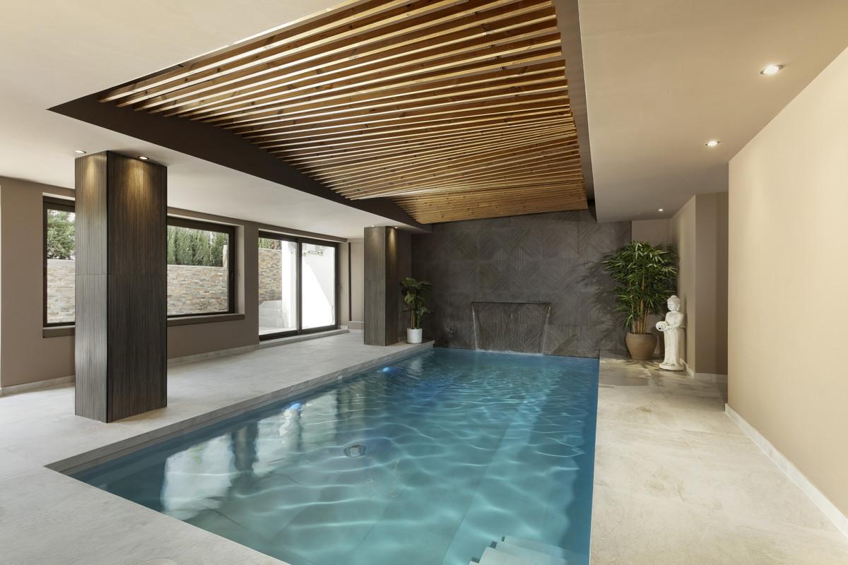 Detached Villa for sale in Marbella R3606014