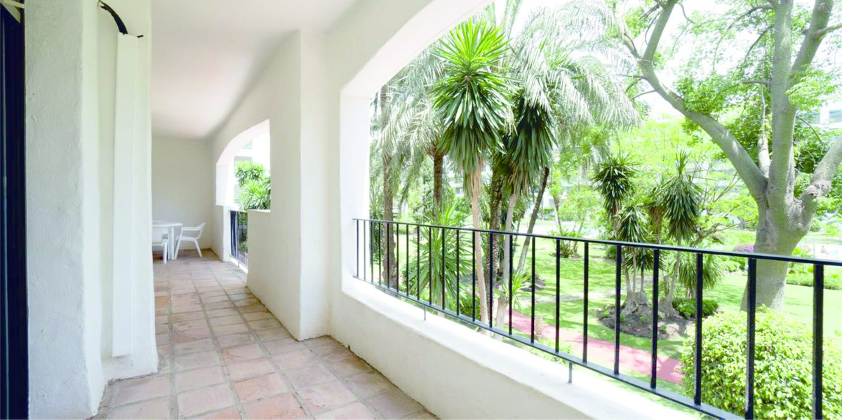 In the center of Puerto Banus. Apartment with 130m2 spread over 3 bedrooms and 2 bathrooms. With a l,Spain