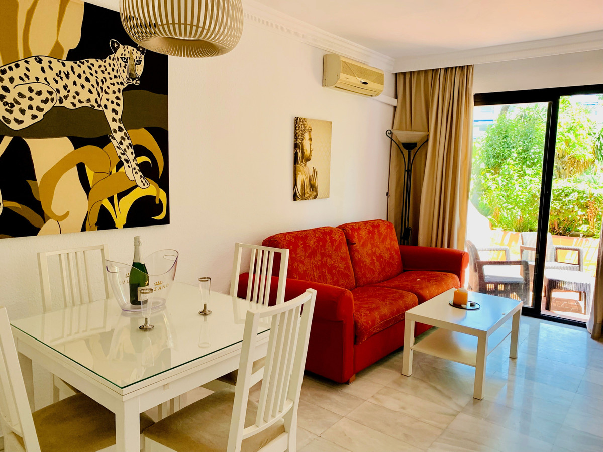 1 Bedroom Apartment For Sale, Puerto Banús