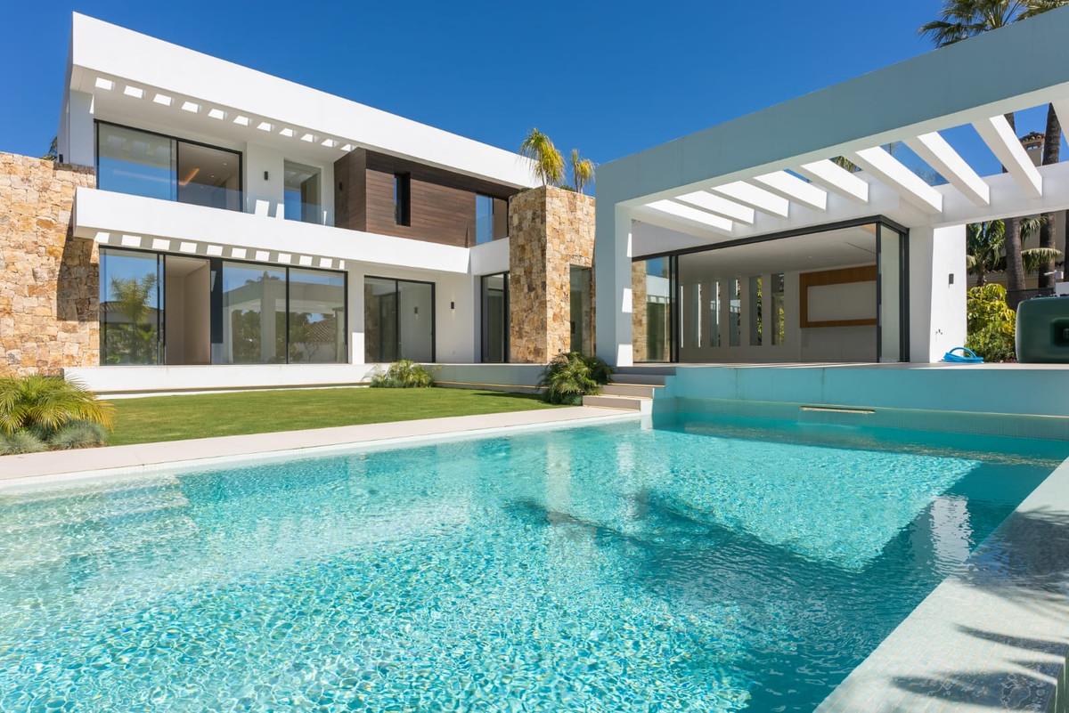 Villa, Individuelle  en vente   à Marbella