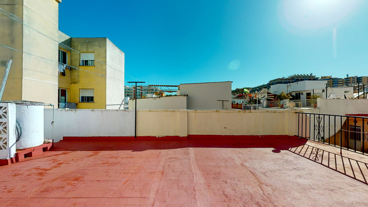 Maison Jumelée  Mitoyenne en vente   à Los Boliches