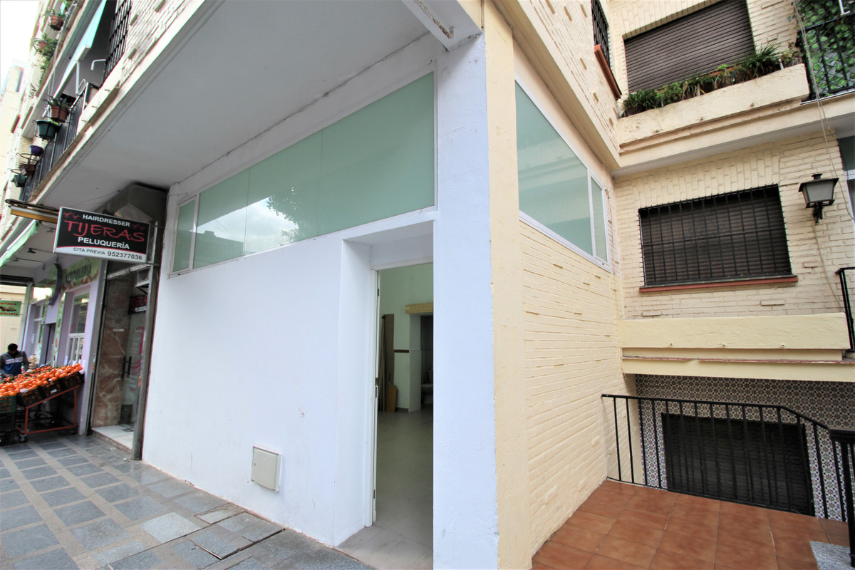 Comercial Tienda 1 Dormitorio(s) en Venta Torremolinos