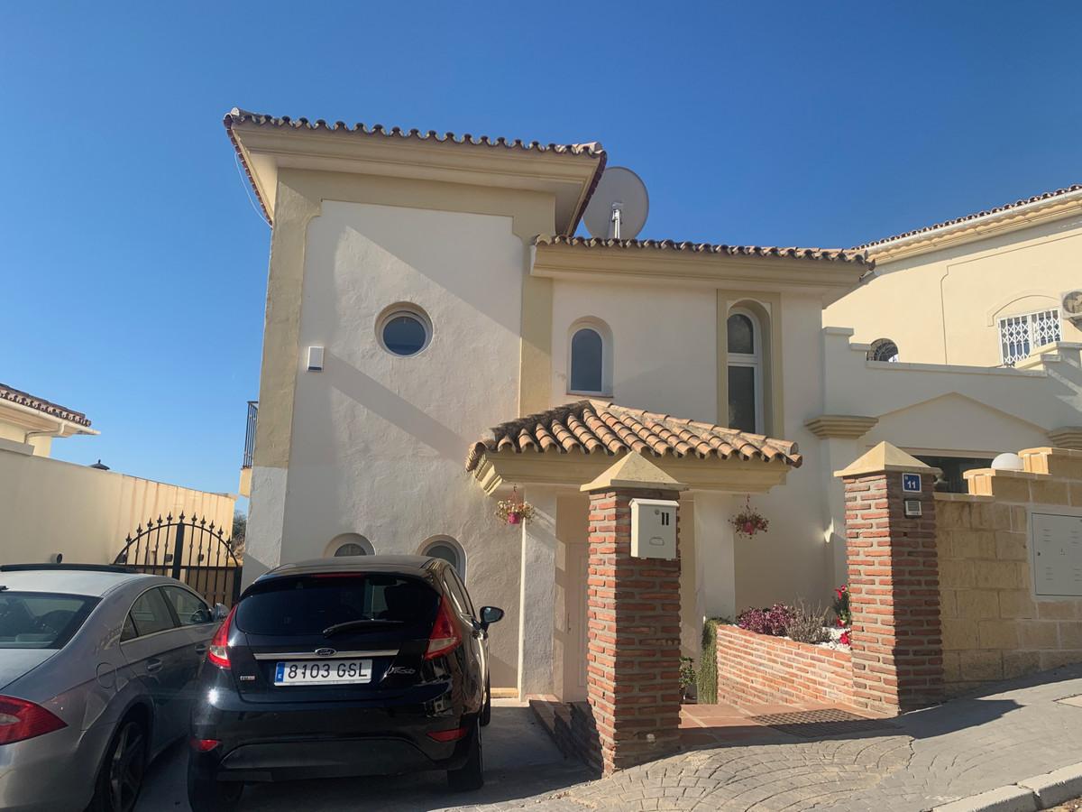 Detached Villa, Mijas, Costa del Sol. 4 Bedrooms, 3 Bathrooms, Built 148 m², Terrace 40 m².  Setting,Spain