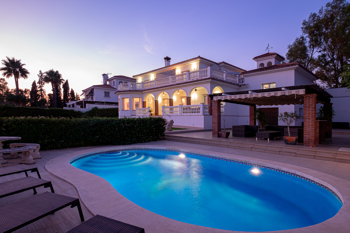 Welcome to Villa Caracas! This amazing luxury villa is located on a hill in the beautiful residentia,Spain