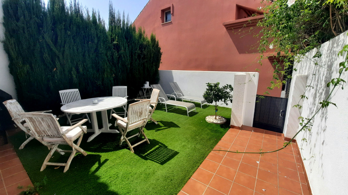 Townhouse, Los Pacos, Costa del Sol. 3 Bedrooms, 3 Bathrooms, Built 125 m², Terrace 35 m².  Setting ,Spain