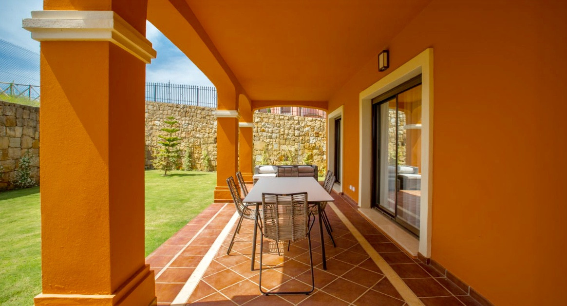 House in Estepona R3432706 3