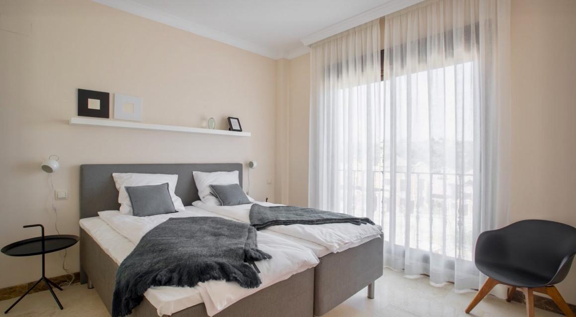 House in Estepona R3432706 9