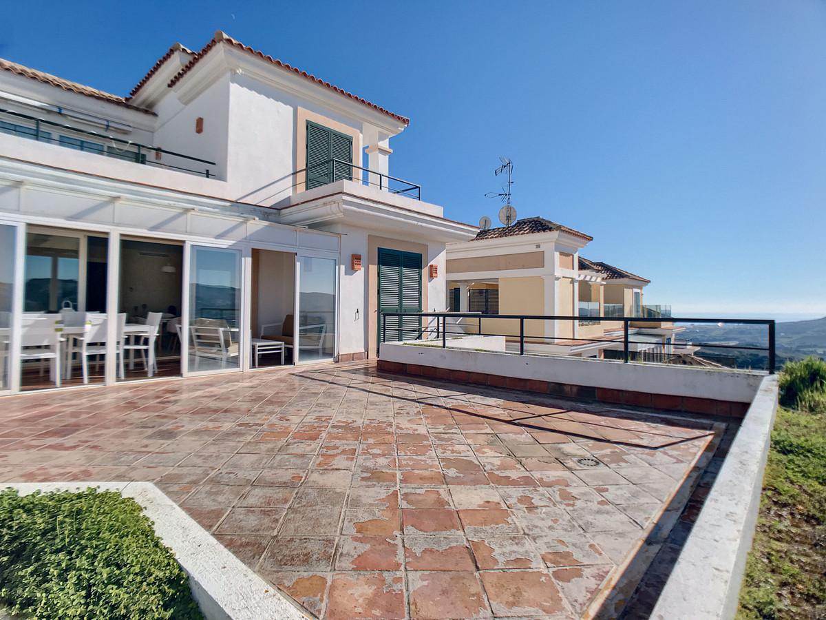 Ground Floor Apartment, Casares Playa, Costa del Sol. 2 Bedrooms, 2 Bathrooms, Built 97 m², Terrace ,Spain