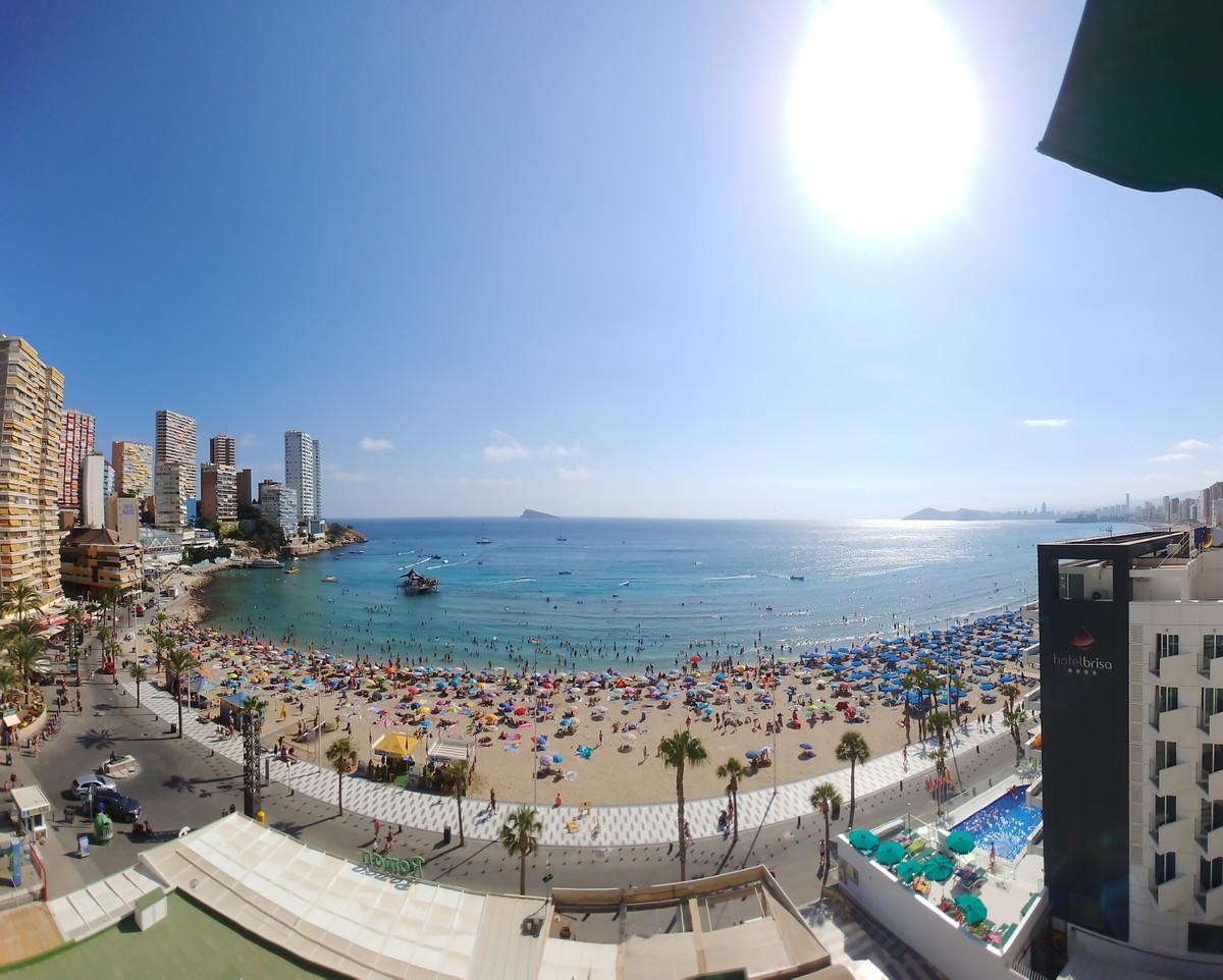 Location location location!! Unic opportunity in front of Playa de Levante de Benidorm! Unbeatable l,Spain
