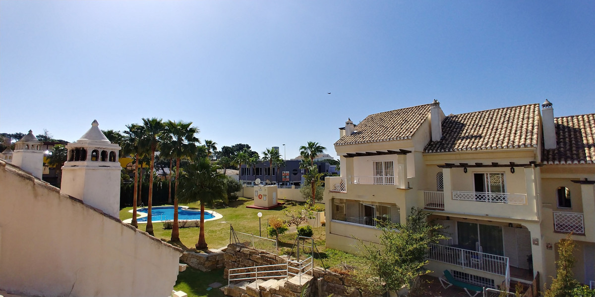 Townhouse Terraced in El Rosario, Costa del Sol