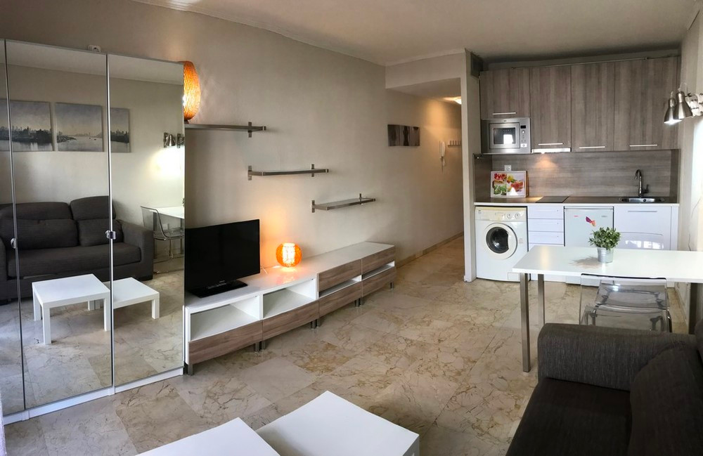 Cheap & LocationLocationLocation!  for this studio apartment to refurbish in Marbella centre in ,Spain