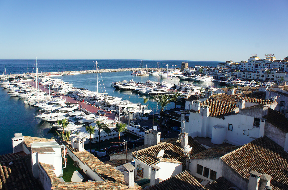 Stunning Duplex Penthouse located in the famous Puerto Banus of Marbella. Nowadays this property is ,Spain