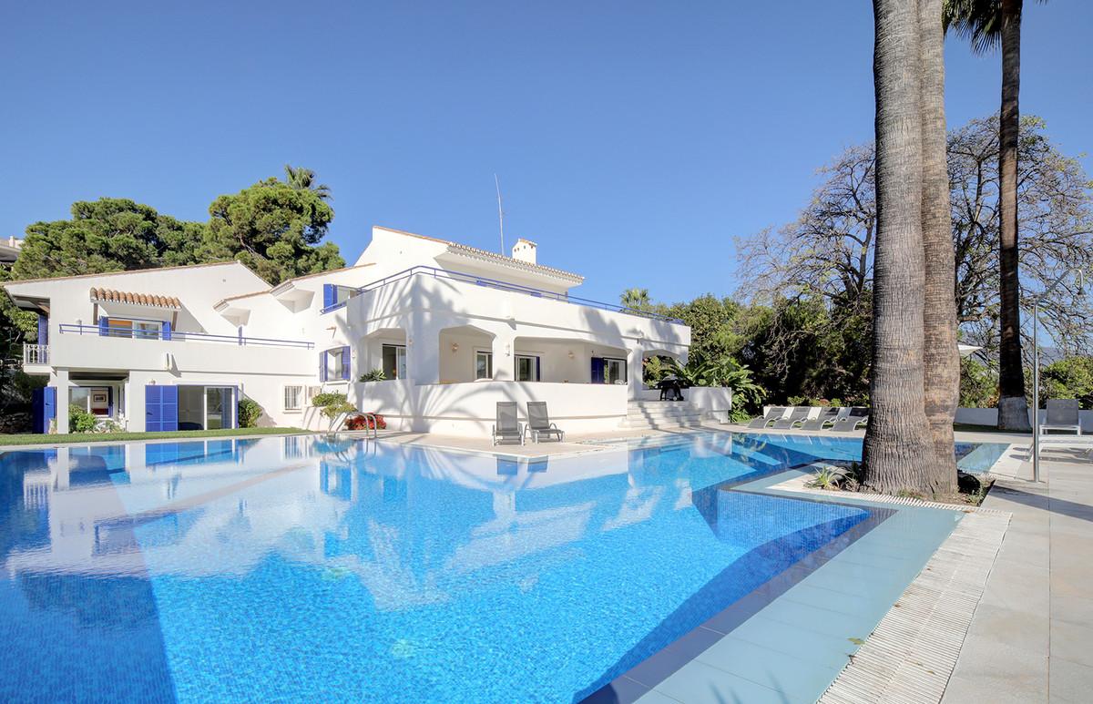 7 bedroom villa for sale las brisas