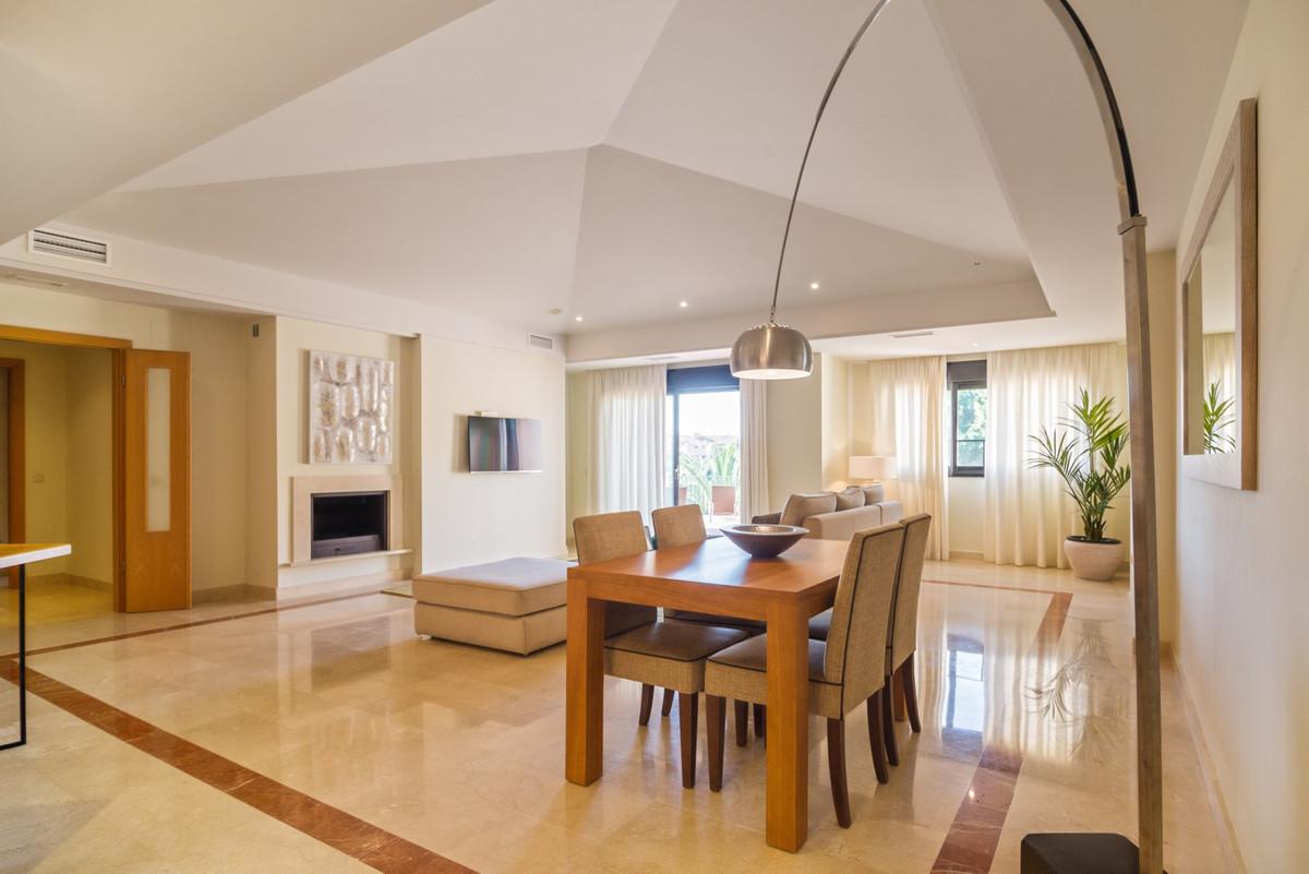 R2885402 Apartment Puerto Banús, Málaga, Costa del Sol