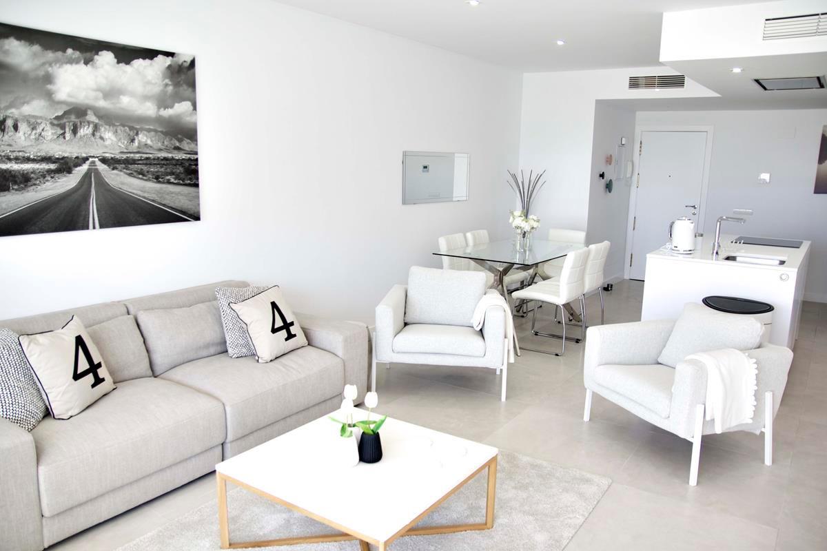 Apartamento  Planta Media en venta  y en alquiler   en Nueva Andalucía