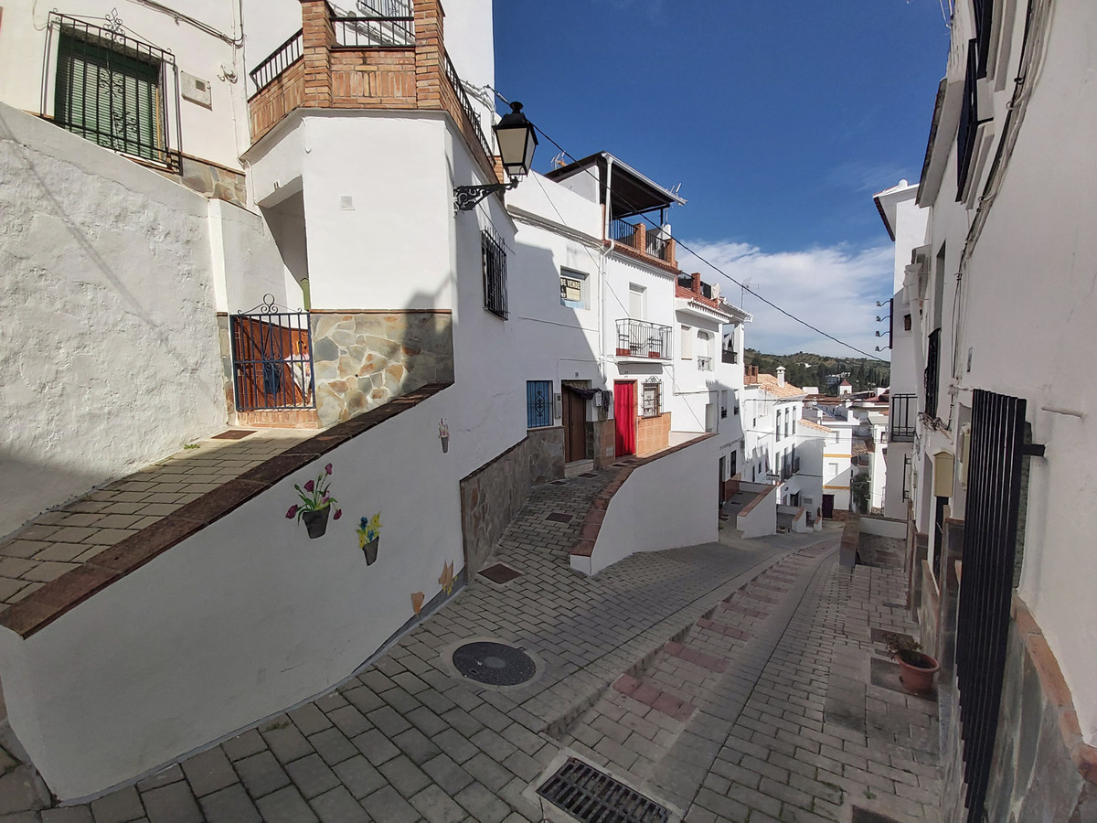 Ref:R3797761 House - Townhouse For Sale in Tolox