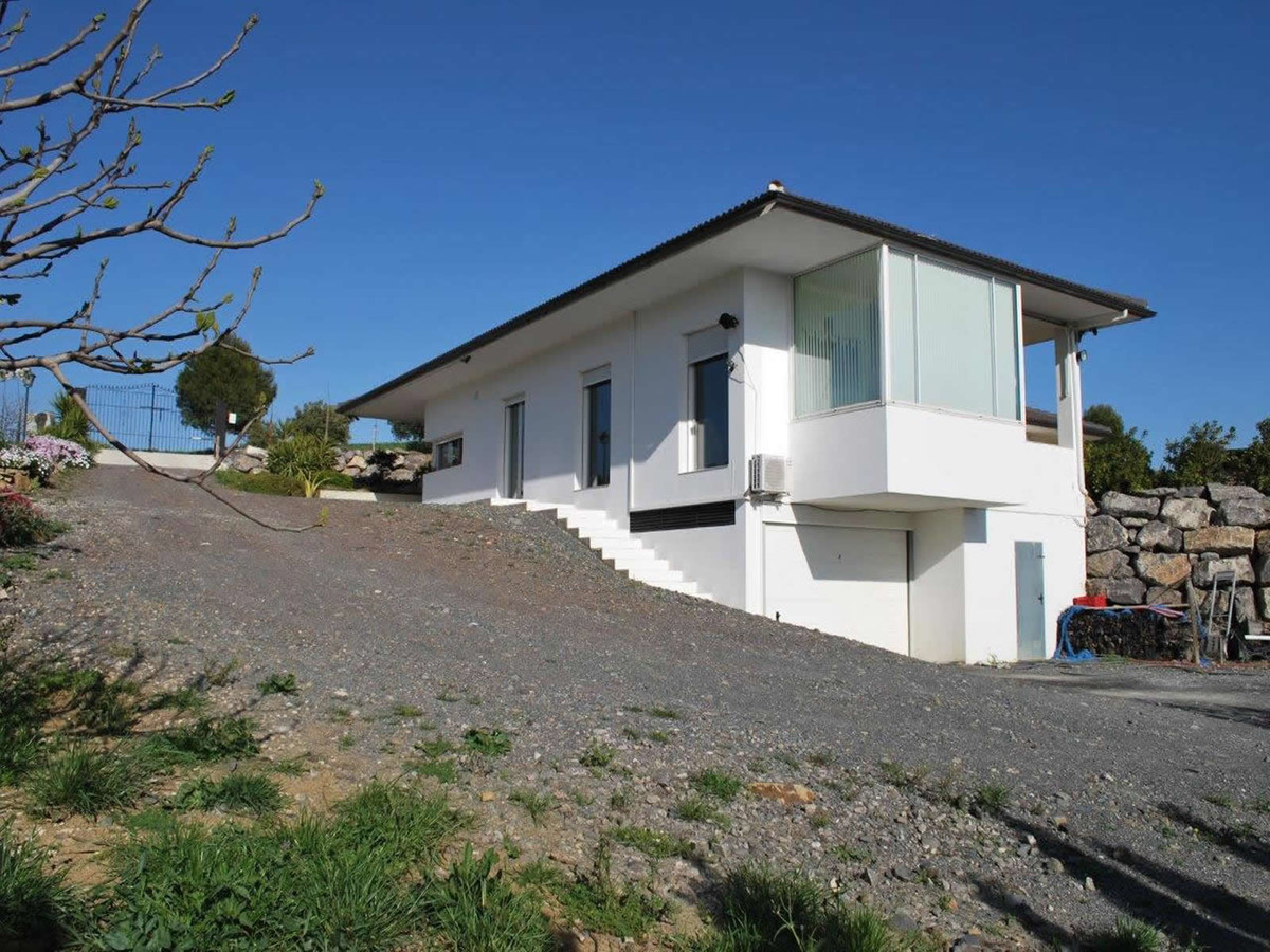 Ref:R3666257 House - Detached Villa For Sale in Colmenar