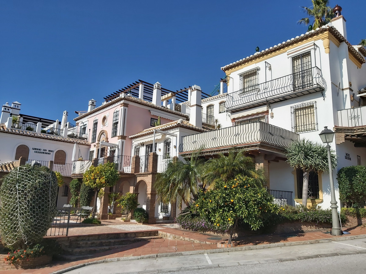 Ref:R3575821 Apartment - Ground Floor Apartment For Sale in Mijas Golf