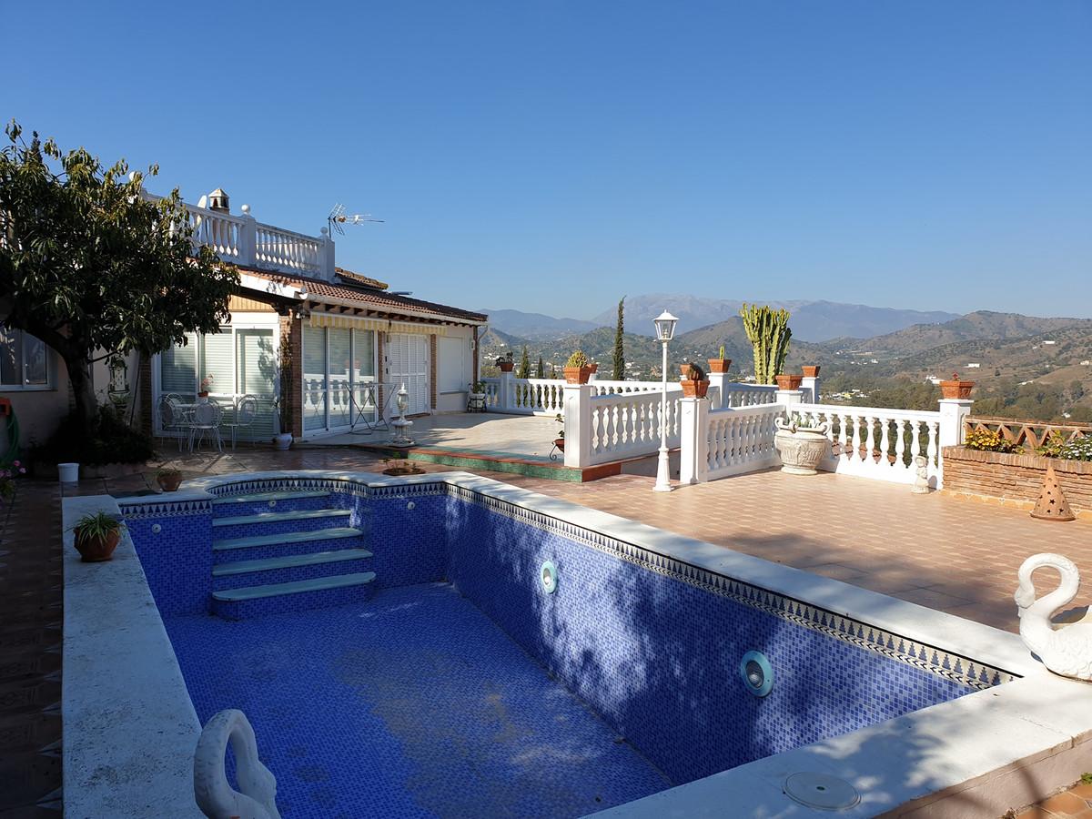 Ref:R3378016 House - Finca - Cortijo For Sale in Coín