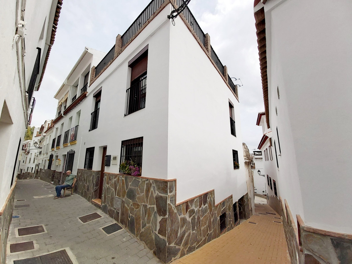 Ref:R3712565 House - Townhouse For Sale in Tolox