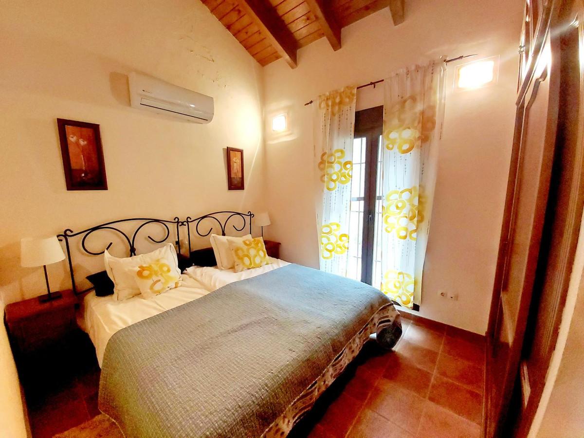 R2953706: House - Finca - Cortijo for sale in Coín