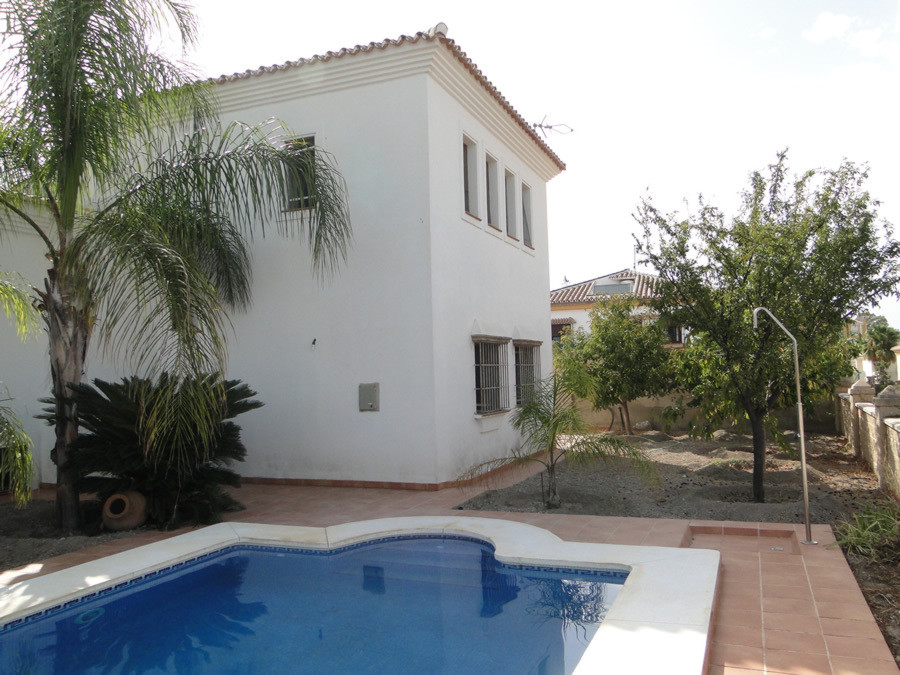 Ref:R2747606 House - Detached Villa For Sale in Coín