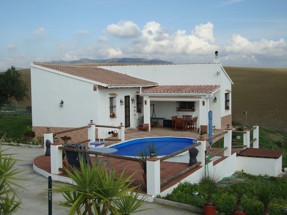 Well presented finca on one level in a peaceful location with beautiful views.  The dwelling is dist,Spain