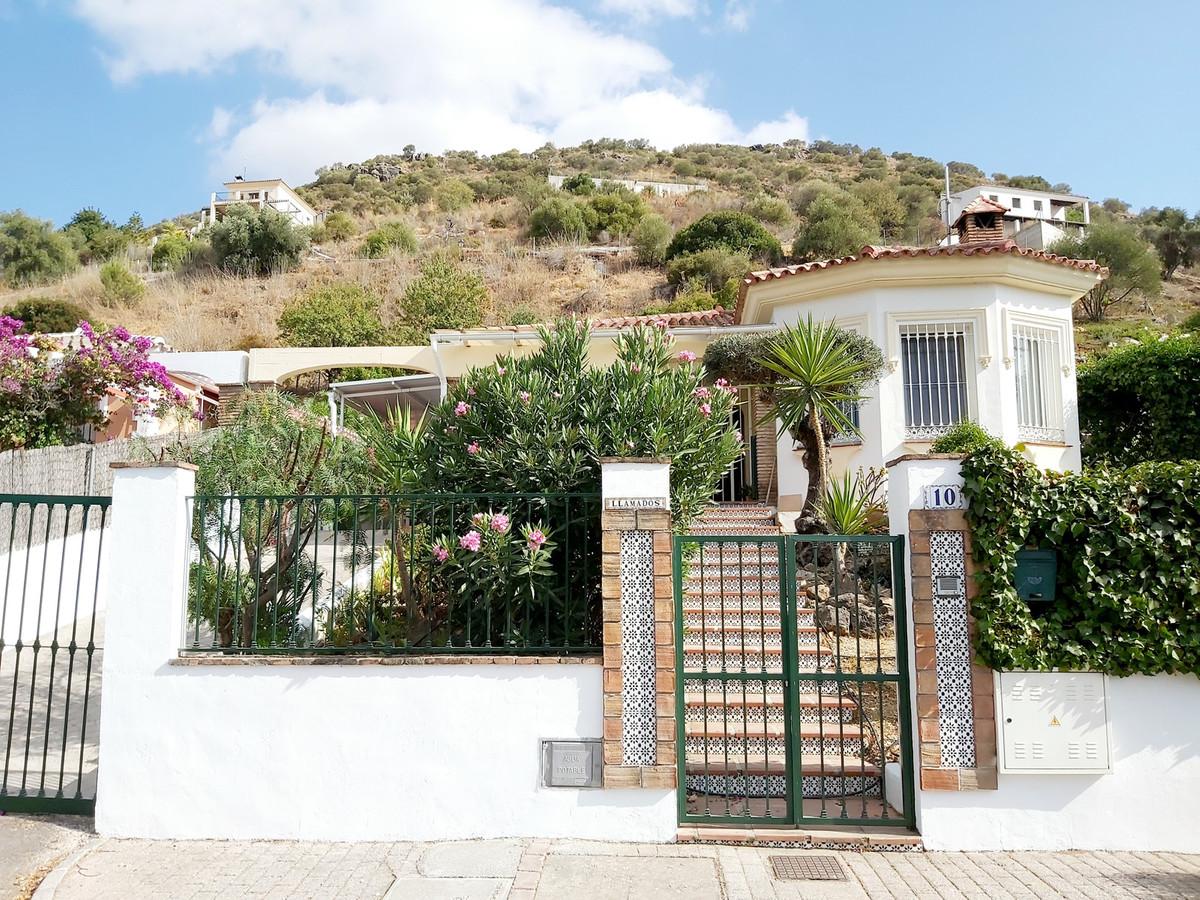 Ref:R3473941 House - Detached Villa For Sale in Coín