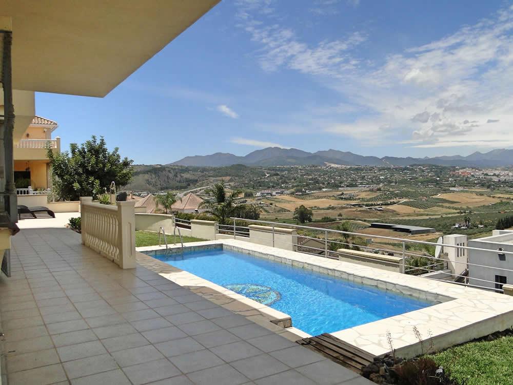 Ref:R3197077 House - Detached Villa For Sale in Coín